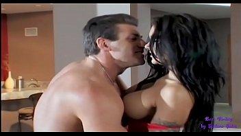 Домашний секс муж трахает, а друг целует